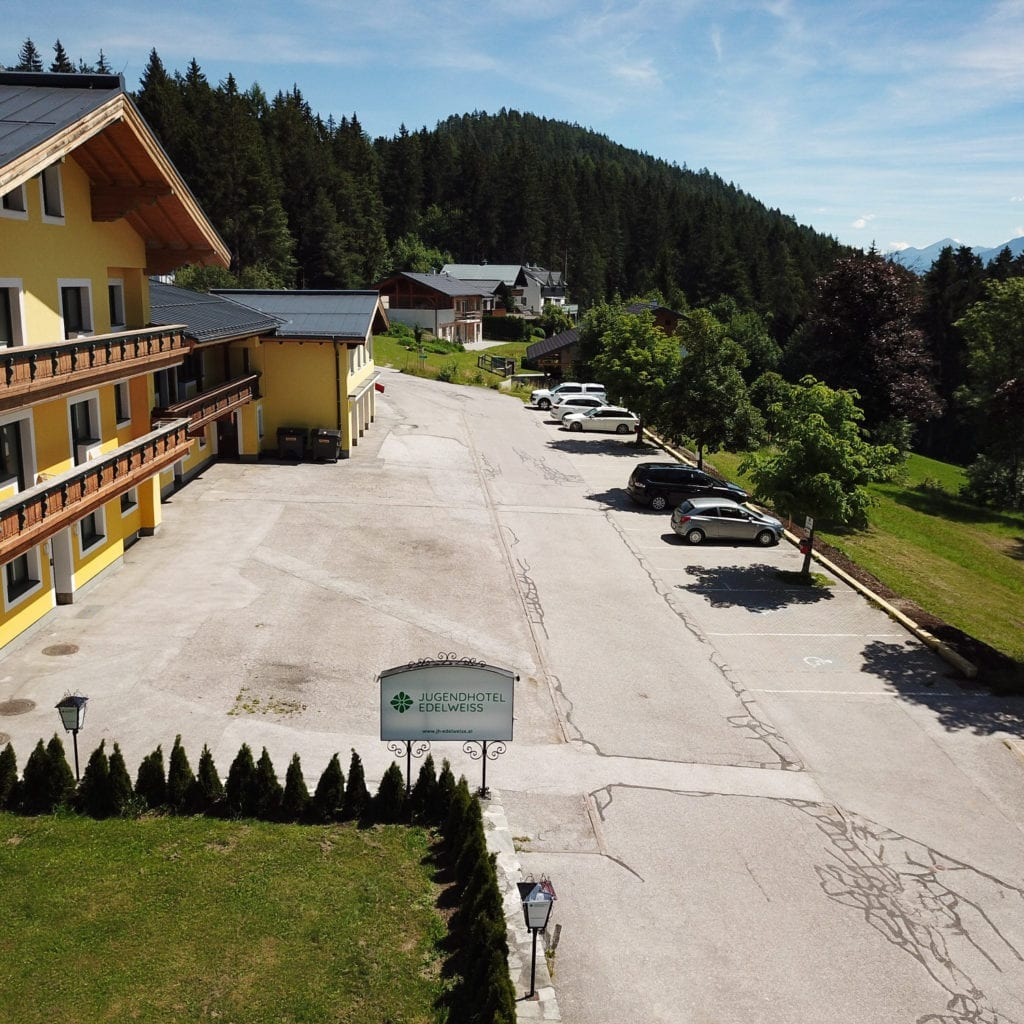 4 Outdoor Youth Hostel 1 Jugendhotel Edelweiss